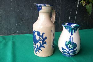800px-Ceramica_Fajalauza_dos_jarras_lou